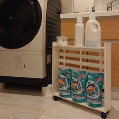 洗剤収納/100均/DIY 洗濯機と洗面台の隙間9㎝に、洗剤等を置く…