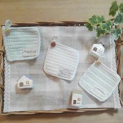 ハンドメイド/お家オブジェ/紙粘土/オブジェ/コースター/編み物 コースターと紙粘土でお家オブジェを作りま…