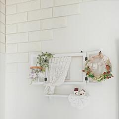 換気扇隠し/ドイリー/編み物/セリア/100均/DIY 寝室にある小さな換気扇隠しに、ホワイトの…