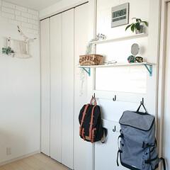 リュック/Bracket/息子部屋/100均/DIY 大学1年息子君のお部屋のカバン掛けの棚を…