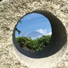 SA/富士山/旅行/風景/旅 穴の中から見えるものは? 富士山🗻なんです