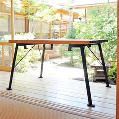 テーブル/ダイニングテーブル/古材/オリジナル家具/アイアン お寺の古材と鉄のテーブル。 ふんばる脚の…