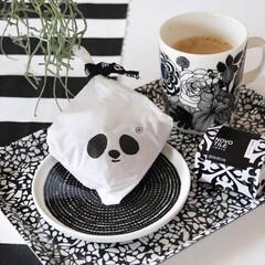 わが家の食器/モノトーン/monotone/白黒/白黒食器/マリメッコ/... 午後のおやつは黒船どら焼きです。 使用し…