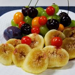 フルーツ/無花果/盛合せ/家庭菜園/収穫/庭の果実 今日は、何の日~?(*´艸`*)なんて🐩…