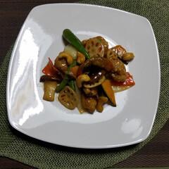 旬の野菜で調理/旬の食材/旬の野菜/秋/おうちごはん/私の手作りフォトコンテスト/... 🍴『旬の野菜色々、カシューナッツ入り酢豚…