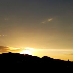 夕焼け/夕陽/夕暮れ/日暮れ/夕日/夕焼けスポット 🌄見とれるほどの夕焼けでした  (´ー`…(3枚目)
