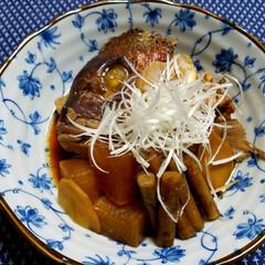 鯛の煮付け/煮付け/おうちごはん/グルメ/一品/今夜の晩ごはん/... 鯛のあら炊き🍴  今日は、新鮮な鯛のアラ…
