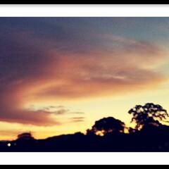 景色/空/夕焼け雲/雲/お釈迦様/🍘/... この雲 あなたは何に見えますか?