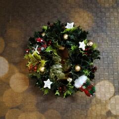 手作りリース/クリスマスリース/クリスマス/DIY/ハンドメイド ✨X'masリースを作りました🎵  柊の…