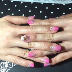 ジェルネイル/ピンクグラデ/ファッション お友達にピンクグラデーションネイルしまし…