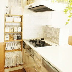 キッチン/DIY/簡単DIY 我が家のキッチン。 正面の棚は隙間に合わ…
