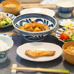 おうちごはん部/料理/献立/家庭料理 ある日の晩ごはん。 ・肉じゃが ・焼き鮭…(1枚目)