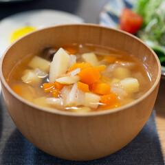 おうちごはん部/料理/献立/野菜スープ/夕ご飯 ある日の晩ごはんの野菜スープ。 じゃがい…(1枚目)