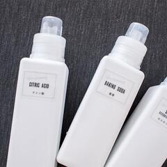 100均/詰め替え/詰め替えボトル/洗剤/シンプル/白化/... セリアの白い詰め替えボトルにセスキソーダ…