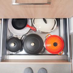 キッチン/収納/キッチン収納/鍋収納 キッチンのコンロ下収納、一番下には重めの…(1枚目)