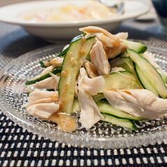 イッタラ/北欧/ガラス/器/食器/おうちごはん イッタラのカステヘルミプレートに冷菜(き…