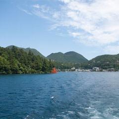 おでかけワンショット/箱根/芦ノ湖/観光スポット/旅行 ある日の箱根旅。 芦ノ湖のフェリーに乗っ…