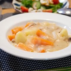 おうちごはん部/料理/献立/夕食/晩ごはん/家庭料理 ある日のクリームシチュー。ダンナの大好物…