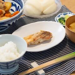 皿 ボウル 北欧 贈り物 波佐見焼 磁器 日本製 モダンブルー ボウル 73511(皿)を使ったクチコミ「ある日の晩ごはんのおかずはパルシステムで…」