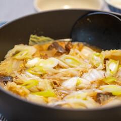 おうちごはん部/料理/献立/鍋/さば缶/簡単レシピ 白菜の大量消費にモッテコイな白菜と鯖缶の…