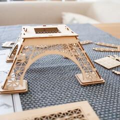 わたしの手作り/木製パズル/オブジェ/エッフェル塔/インテリア/ナチュラルインテリア 3Dウッドパズルを組み立て中〜。 ボンド…