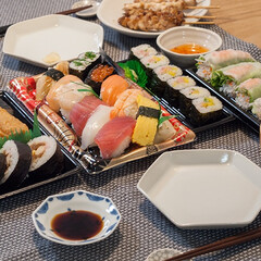 わたしのごはん/お寿司/夕食/献立 バタバタ忙しかった日。買ってきたお寿司と…