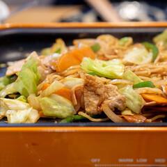 おうちごはん部/料理/献立/ホットプレート/BRUNO お好み焼きをした日のシメは焼きそば♪ 袋…