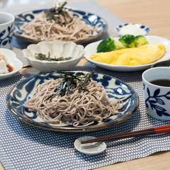 おうちごはん/オムレツ/蕎麦/手作りごはん/ランチ/ハンドメイド 休日ランチは日本蕎麦とたらこオムレツと冷…