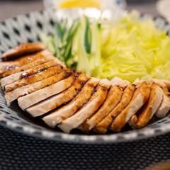わたしのごはん/鶏胸肉/おうちごはん部/献立 ある日の晩ごはんのメインはよだれ鶏。 鶏…