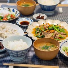 光陽陶器 大皿 24.5cm リンカ 24プレート 白練 40801(皿)を使ったクチコミ「ある日の晩ごはん ・小松菜とにんじんと豚…」
