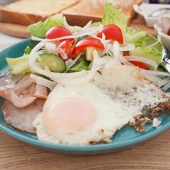 朝ごはん/おうちごはん/手作りごはん/料理/盛り付け 休日朝ごはん。ダンナ渾身の盛り付け例です…
