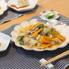 光陽陶器 大皿 24.5cm リンカ 24プレート 白練 40801(皿)を使ったクチコミ「ある日の晩ごはんは中華丼。 いつも塩味に…」(1枚目)