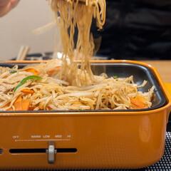 焼きそば/おうちごはん/ホットプレート料理/BRUNO/ごはん お好み焼きを焼いたあと、シメに焼きそば。…(1枚目)