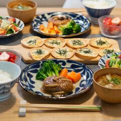 おうちごはん部/料理/献立/夕食/家庭料理 ある日の晩ごはん。 メインはレトルトの和…