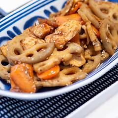 おうちごはん部/料理/献立/蓮根 蓮根と人参と鶏肉のコッテリ炒め。 煮物に…