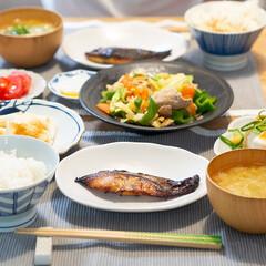 おうちごはん部/料理/献立/夕食/晩ごはん/家庭料理 ある日の晩ごはん。 さわらの味噌漬けは焦…