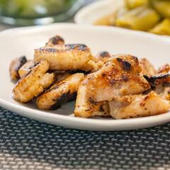 わたしのごはん/献立/簡単レシピ/おうちごはん部/鶏肉/塩麹 ある日の晩ごはんで作った鶏もも肉の塩麹漬…