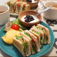 サンドイッチ/ブランチ/おうちごはん/簡単レシピ/ワンプレート ある日のブランチ。ベーシックなBLTサン…