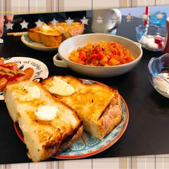 フォロー大歓迎/グルメ/フード/おうちごはん/おうちごはんクラブ/キッチン/... 幸せ朝ごはん💗 お家で食パンを焼いて厚切…(1枚目)