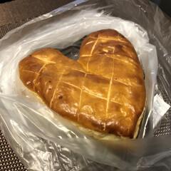 パン/フォロー大歓迎/グルメ/フード バレンタインが近いのでチョコ系の商品が多…