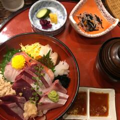 グルメ/魚料理/千葉/海/食いしん坊 千葉の白浜で毎年恒例の海鮮丼🐟 地魚サイ…