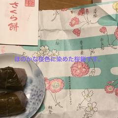 桜餅/伊勢千代紙/赤福の朔日餅 昨日、仲良くしているおばちゃんから桜餅を…(3枚目)