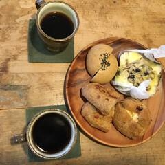 コーヒー/古民家/廃校のリメイク/あけおめ/フォロー大歓迎/冬/... 好きなパンを選んで隣の喫茶店へ移動してコ…