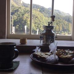 古民家カフェ/LIMIAおでかけ部/フォロー大歓迎/はじめてフォト投稿/おでかけ/風景/... パン屋さんでパンを選んで熊野川沿いカフェ…