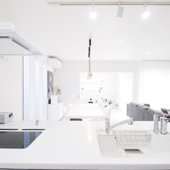 整理収納アドバイザー/整理収納アドバイザー白石麻里/アイランドキッチン/キッチンインテリア/キッチン/シンプルな暮らし/... 家族みんなを見渡せるキッチン。 みんなの…