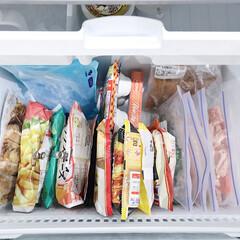 整理収納アドバイザー白石麻里/収納/冷凍庫/冷凍庫収納/100均/ダイソー/... 冷凍庫収納は、上から見て分かりやすいよう…