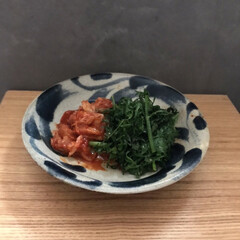 やちむん やちむん與那城 5寸皿 点打 緑×オーグスヤ 16cm 中皿 取皿 プレート(皿)を使ったクチコミ「リースになりそなくらい大量の 葉っぱ付き…」