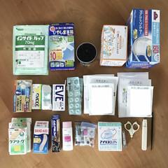 COCORO 黒綿棒 200本入(綿棒)を使ったクチコミ「わが家の薬収納です。 無印のトタンボック…」