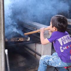 火おこし/バーベキュー/5歳/GW/わたしのGW 火おこし! 様になってるけどなかなか火が…