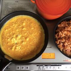 フライパン t-fal ティファール インジニオ マホガニープレミア フライパン 28cm T-fal ティファール(IH使用不可) | ティファール(圧力鍋)を使ったクチコミ「大人たちのお弁当がオムライスの日は 子ど…」